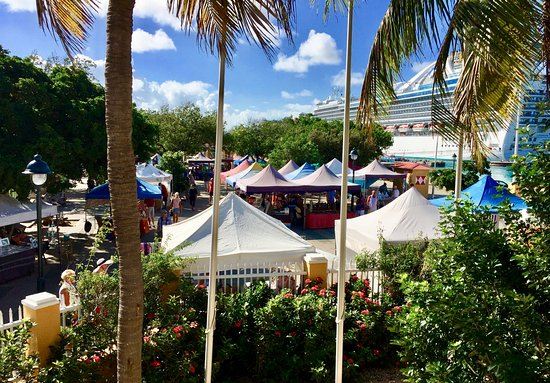 Bonaire Arts and Crafts Cruise Market