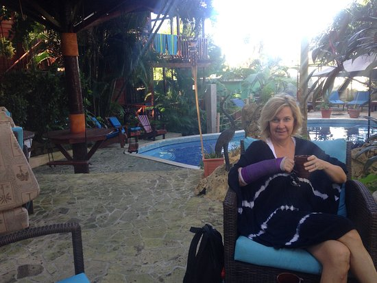 West Bay Lodge and Spa: Morning coffee relaxing by the pool !!