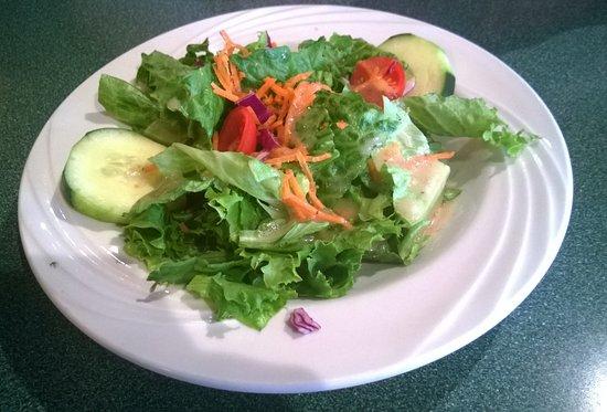 Manchester, CT: Salad (comes with Ravioli)
