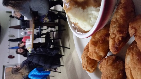 Purcellville, Βιρτζίνια: Another great evening at Nick's Family Restaurant.. My favorite is fried oysters (and seeing Nic