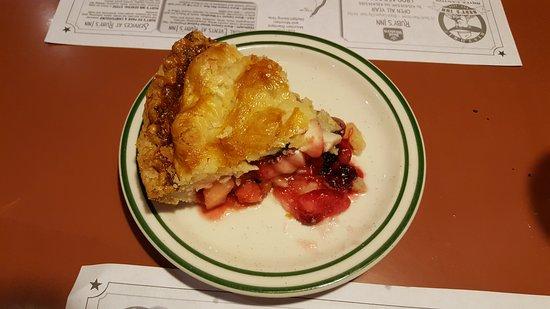 Ruby's Inn Cowboy's Buffet and Steak Room: 5 fruit pie