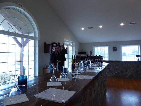 Warrenton, VA: Tasting Room