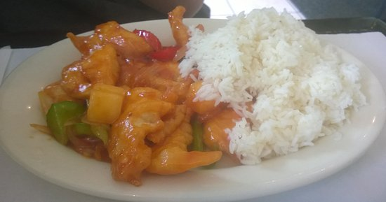 Farmington, CT: Sweet and Pungent Sauce Chicken Lunch Plate
