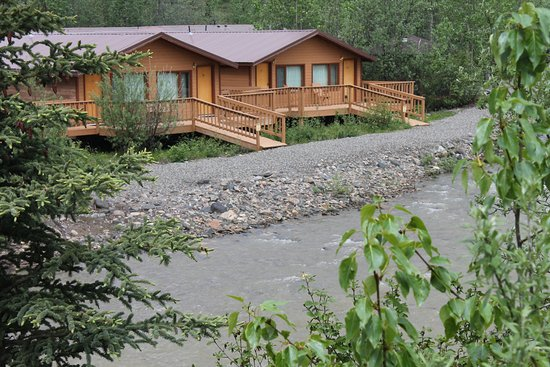 Denali Backcountry Lodge: Creek side cabins