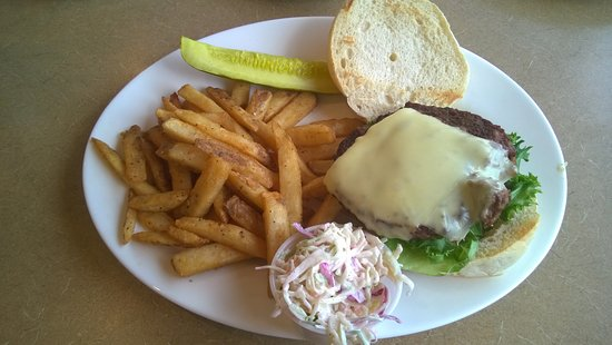 Wethersfield, CT: Classic Cheeseburger