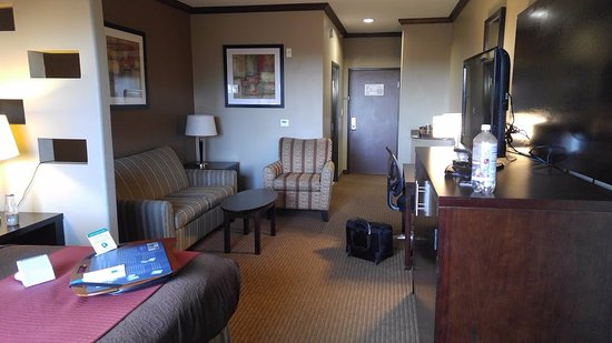 Denison, TX: Room 324 - king suite, helpful tray and coffee bar