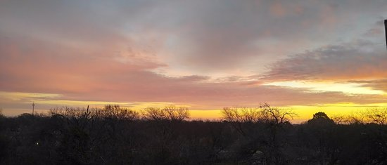 Denison, TX: Room 324 - king suite sunrise