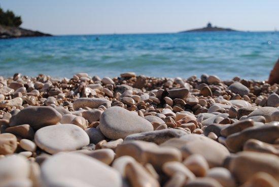 Hvar Island, โครเอเชีย: Галька и море
