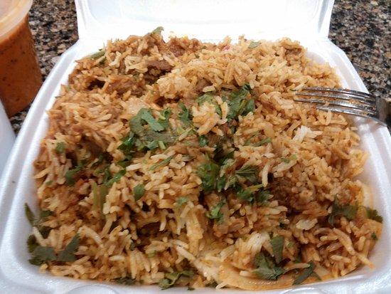 Manteca, Καλιφόρνια: Generous portion of Lamb Biryani (My fork is ready!!)