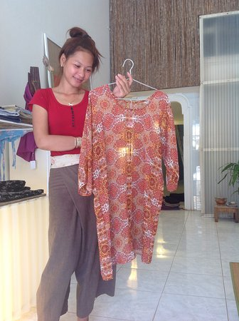 Kampot, Cambodge : Cool for summertime(chiffon dress)One of many patterns