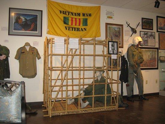 โบรกเคนแอร์โรว์, โอคลาโฮมา: Part of the Vietnam exhibit.