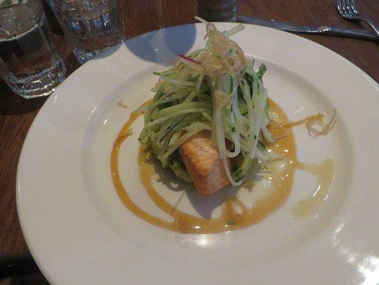 Noosaville, Avustralya: Salmon dish