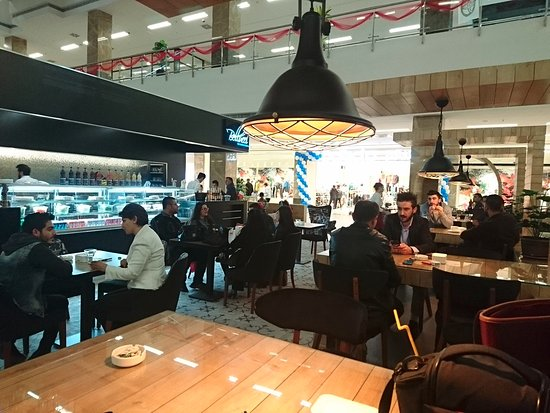 Bellucci Cafe Majidi Mall
