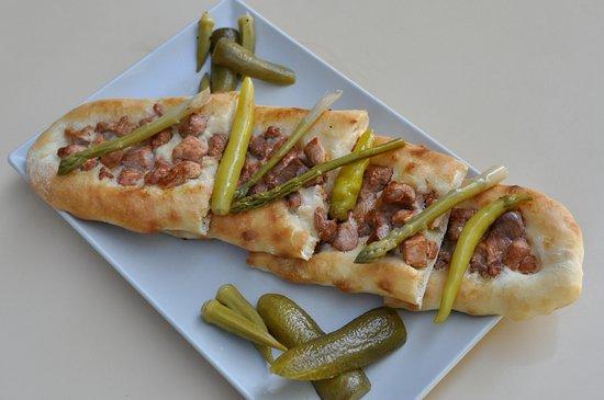 Mkc Restaurant: Pastrmajlija is Macedonian traditional meet pie. Try it!