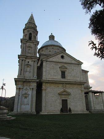 Montepulciano, Włochy: La facciata principale (l'ingresso,però, è solo laterale)