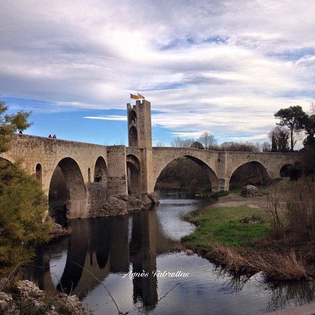 Besalu, Spanyol: Esta es una de las vistas que se obtiene antes de entrar en el Miqve