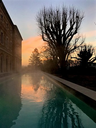 Heated outdoor pool picture of fourviere hotel lyon for Pool show lyon france