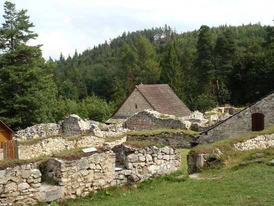 Hrabusice, Słowacja: Rovine