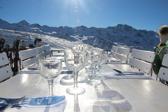La Folie Douce - La Fruitiere - Val Thorens: Une vue panoramique au sommet des pistes.
