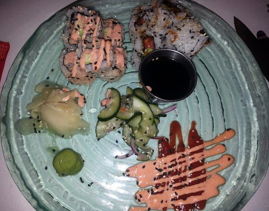 Oakbrook Terrace, IL: sushi special of the day at Mike Ditka's