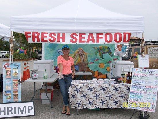 Santini Marina Shopping Plaza : Local Seafood