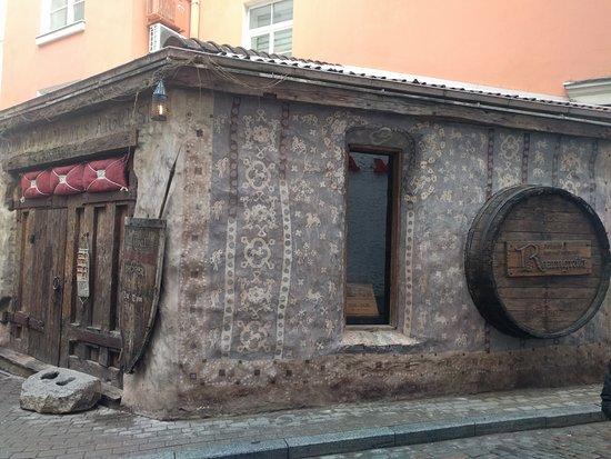 Rozengrals: Restaurangen utifrån