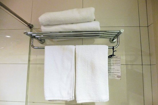 the palace hotel kota kinabalu towels in the bathroom - Bathroom Accessories Kota Kinabalu