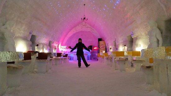 Ice Hotel Romania: Ice Hotel - Restaurant & Lobby