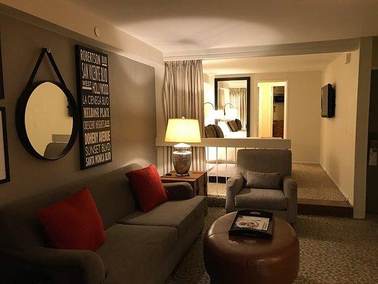 Le Parc Suite Hotel: photo0.jpg