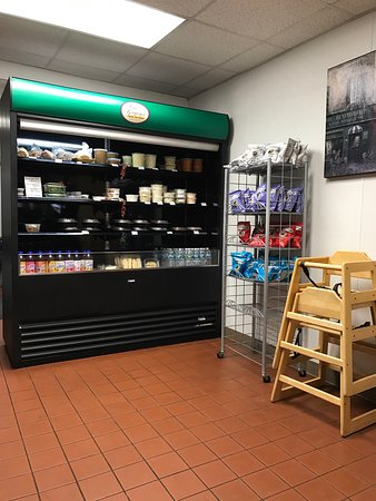 Southington, CT: Grab an go area located in the back. Great meals and snacks