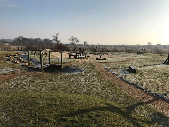 Carterton, UK: Lovely frosty morning enjoying the park