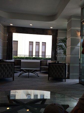 State Plaza Hotel: Hotel lobby area