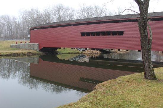 Elkton, MD: covered bridge