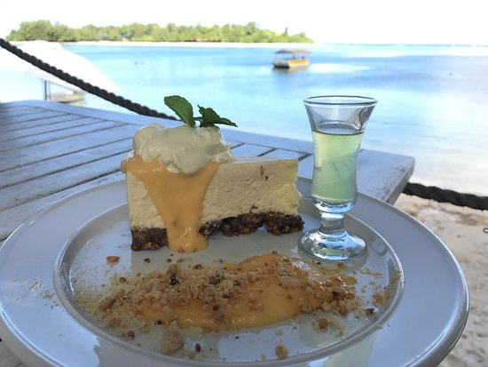 Sails: Citrus cheesecake with Limoncello and view on the side