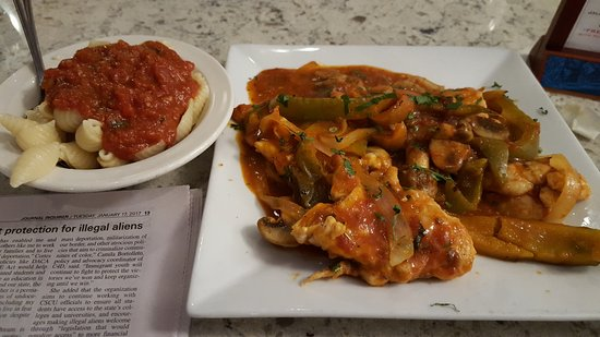 East Windsor, CT: Chicken Cacciatore
