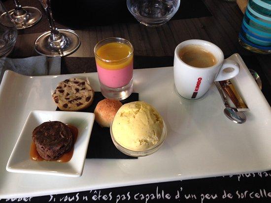 Montbazon, Frankrijk: Café très gourmand