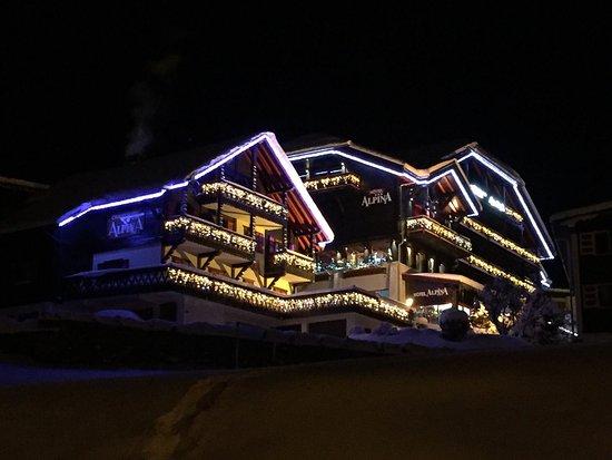 Chalet-Hotel Alpina: photo0.jpg