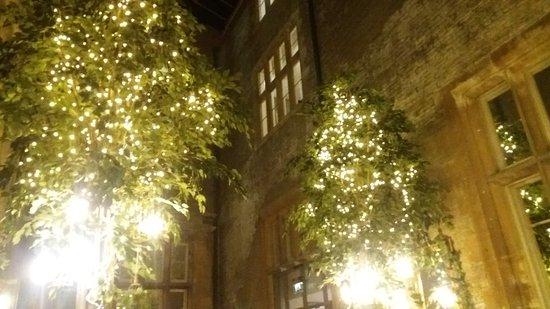 Tortworth, UK: the atrium bistro bar