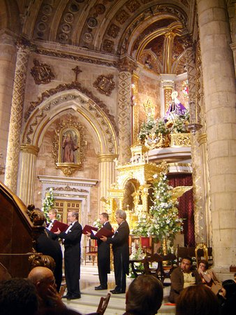 classical concert in Iglesia de la Virgen del Mar © Robert Bovington