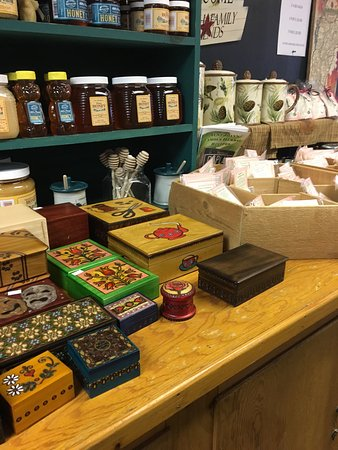 Green Mountain Sugar House: Yum. Fun gifts and treats.