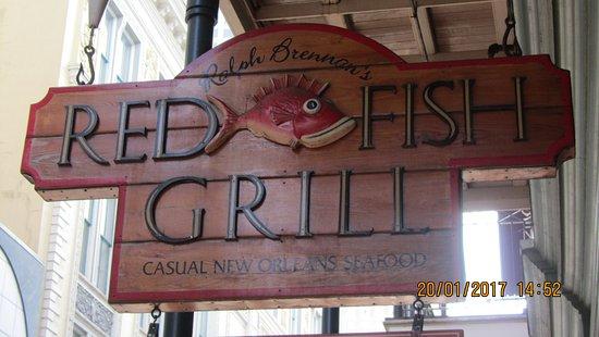 Pesce allegro gente soddisfatta bild fr n red fish for Red fish grill new orleans la