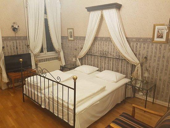 Honefoss, النرويج: Betalte 470kr for dette rommet :-)