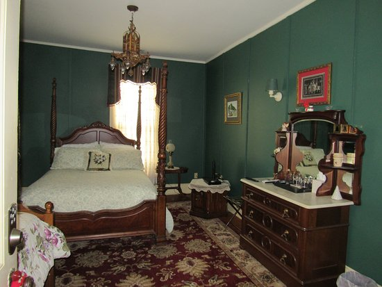 Hernando, MS: One of the suites