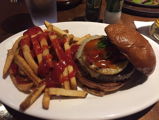 Downers Grove, IL: Firecracker Burger
