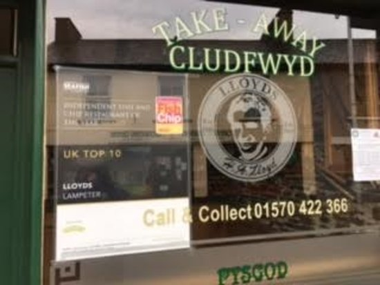 Lampeter, UK: Lloyds Fish and Chip Shop - the signage outside the main entrance indicating their award
