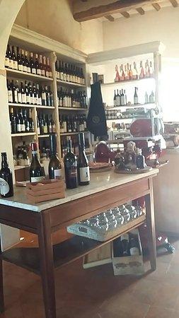Bastia Umbra, Italien: Cantina