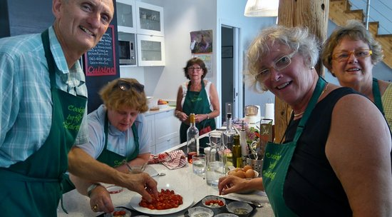 Trebes, Frankrijk: Make tomato tart tatins!