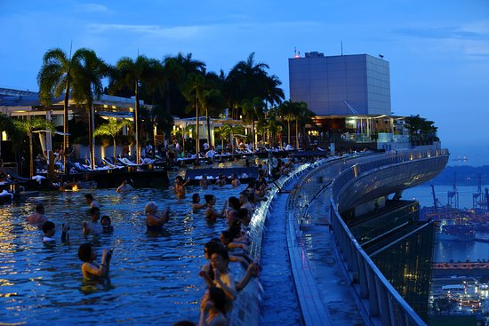 Infinity Pool Marina Bay Sands Picture Of Marina Bay Sands Skypark Singapore Tripadvisor