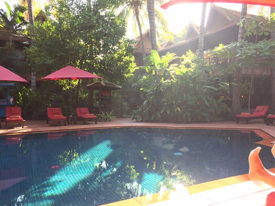 Angkor Village Hotel: A view of the pool in the afternoon sun