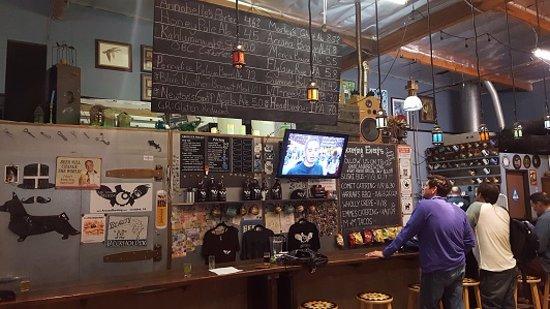 Vista, Californien: Pick or beer or better yet, do a flight sampler
